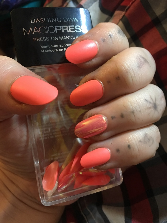 Dashing Diva Press On Nails Review – The Plus Size Zombie